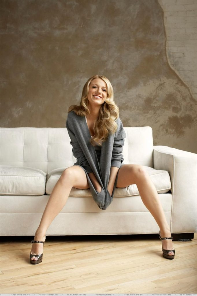 Blake Lively legs spread