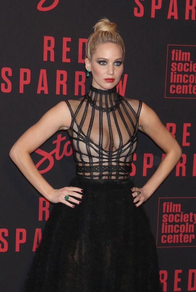 Jennifer Lawrence sexy pic 5