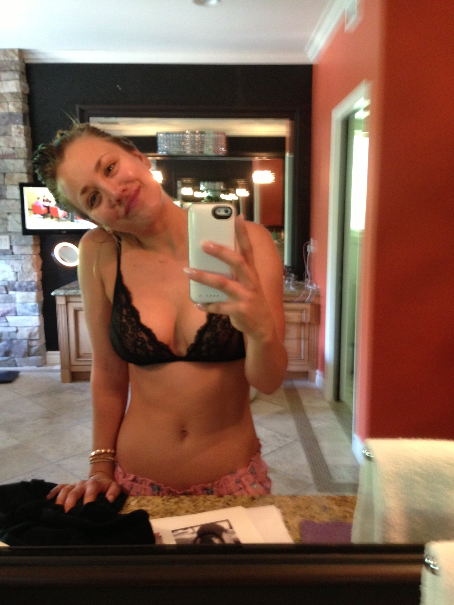 The Fappening Kaley Cuoco Nude Leaks (15)