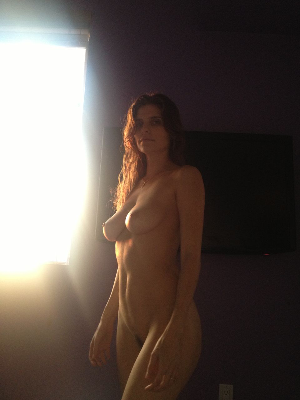 actress lake bell totally naked chest and crotch visible