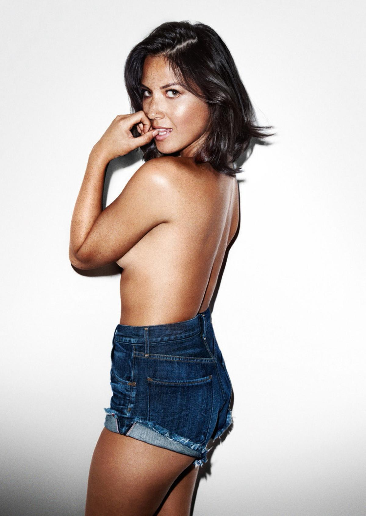 Olivia Munn Topless (1)