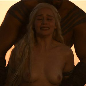 totally exposed nipples of emilia clarke