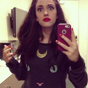 icloud pic of kat dennings taking a selfie