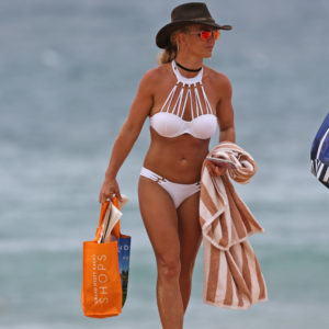 Sexy pic of Britney Spears in bikini and cowboy hat