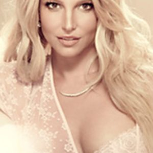 Britney Spears showing her cleavage in modeling pic