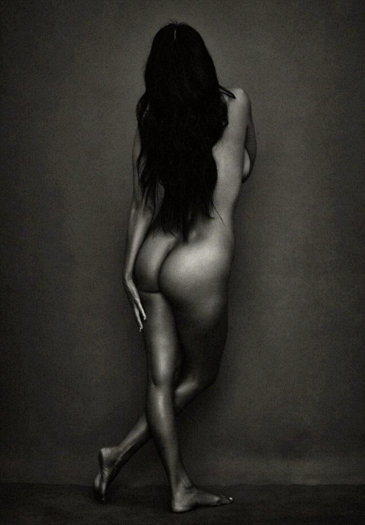 Kourtney Kardashian nude