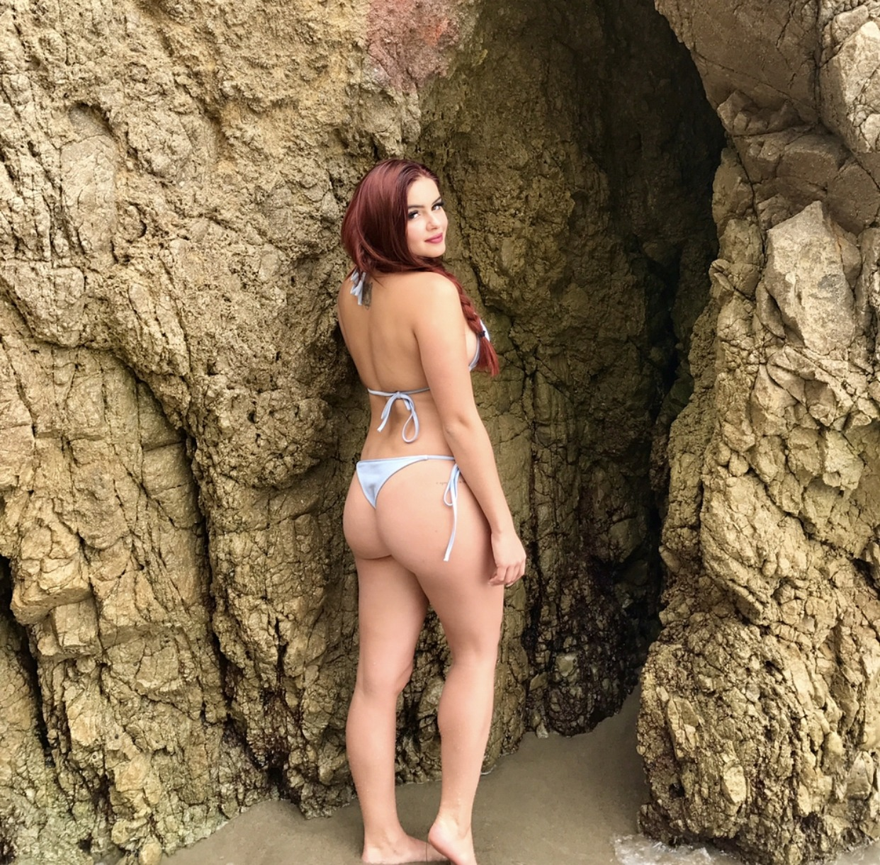 Ariel Winter sexy naked
