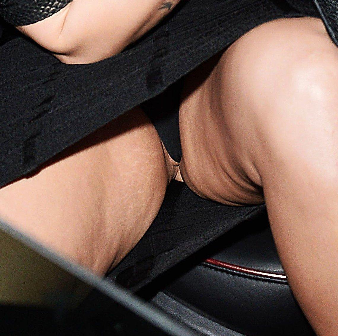 Demi Lovato boobs showing