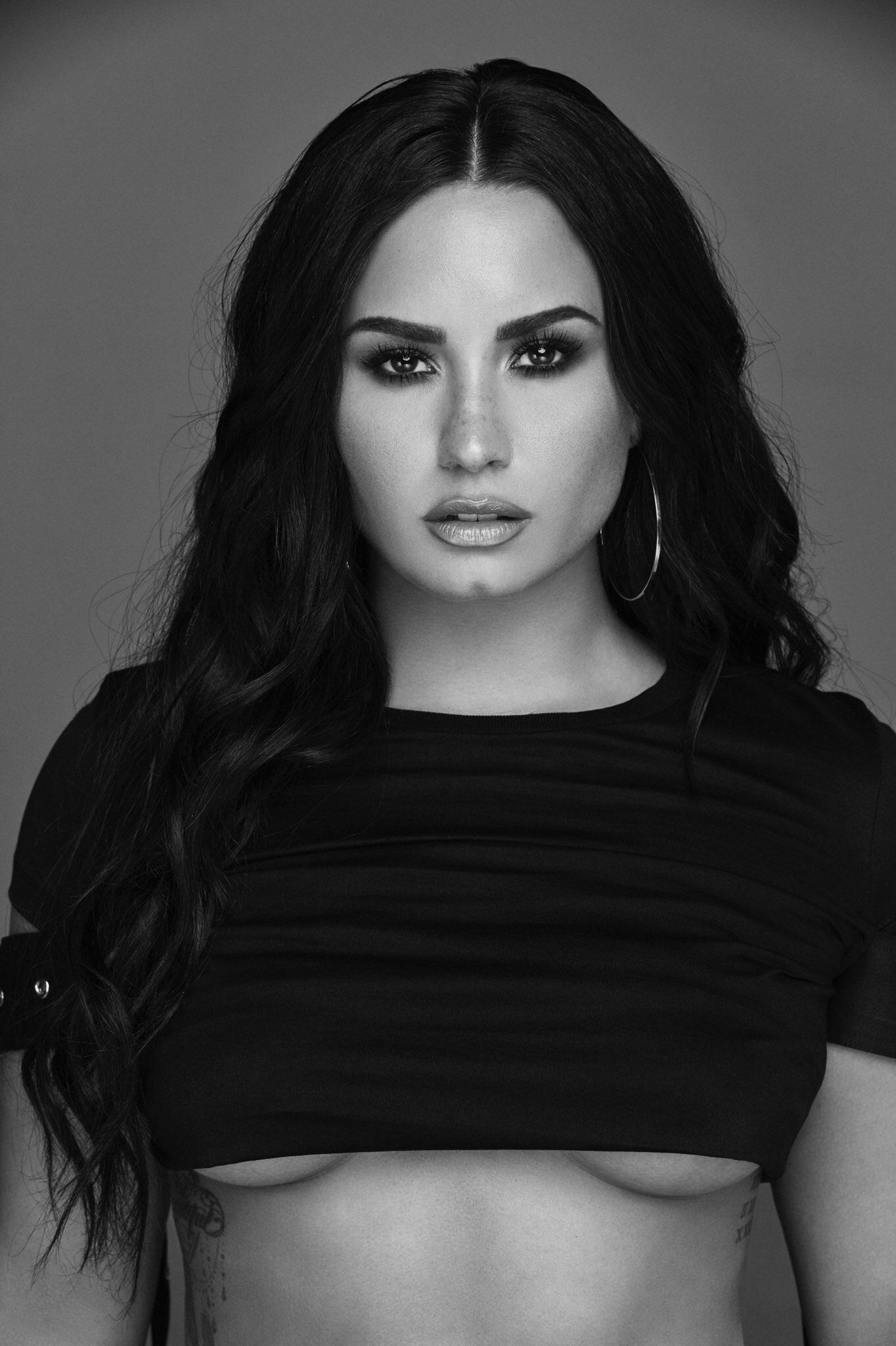 Demi Lovato pussy fucked