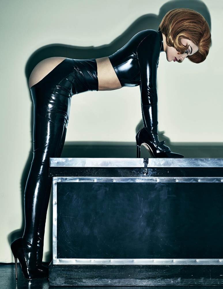 Kylie Jenner posing