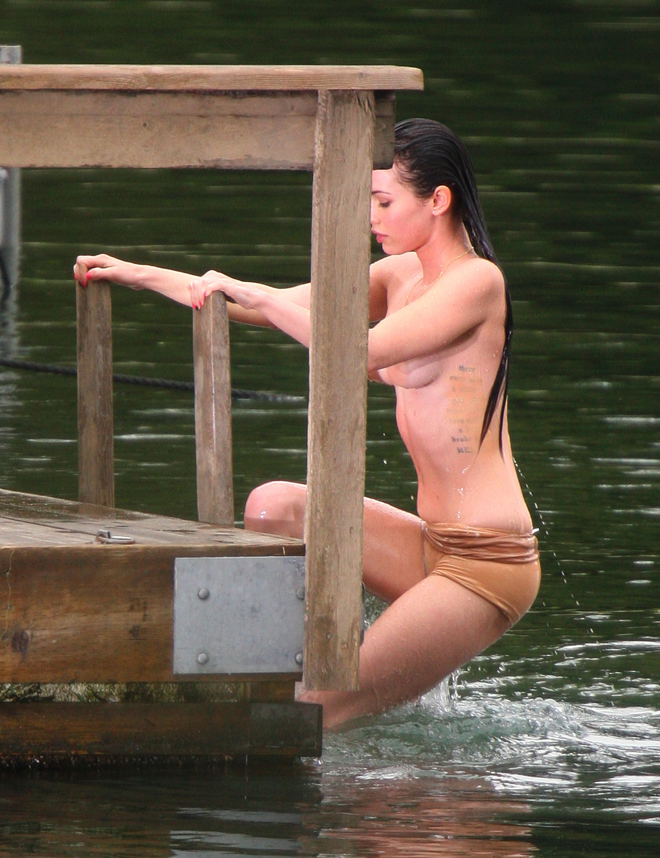 Megan Fox hot boobs