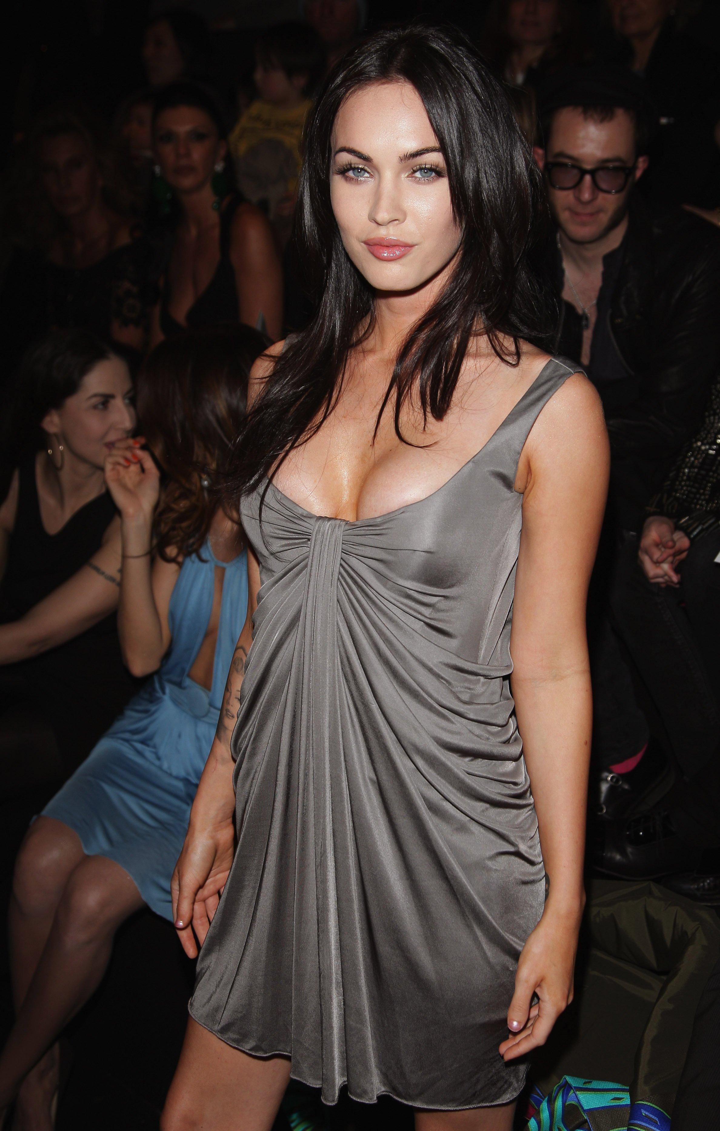 Megan Fox Pussy Pics & HUGE Nude Wank Collection!