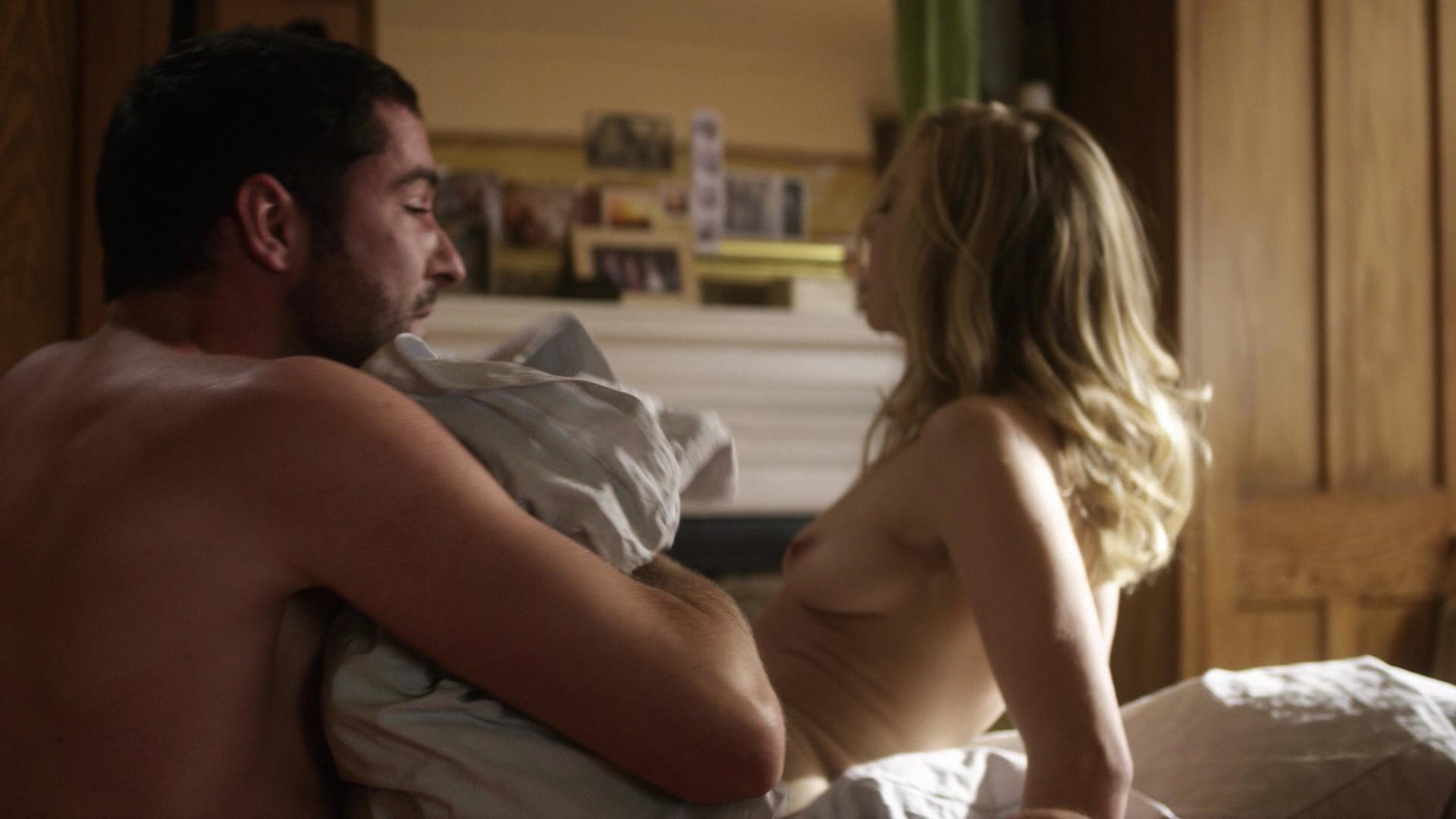 Natalie Dormer boobs showing