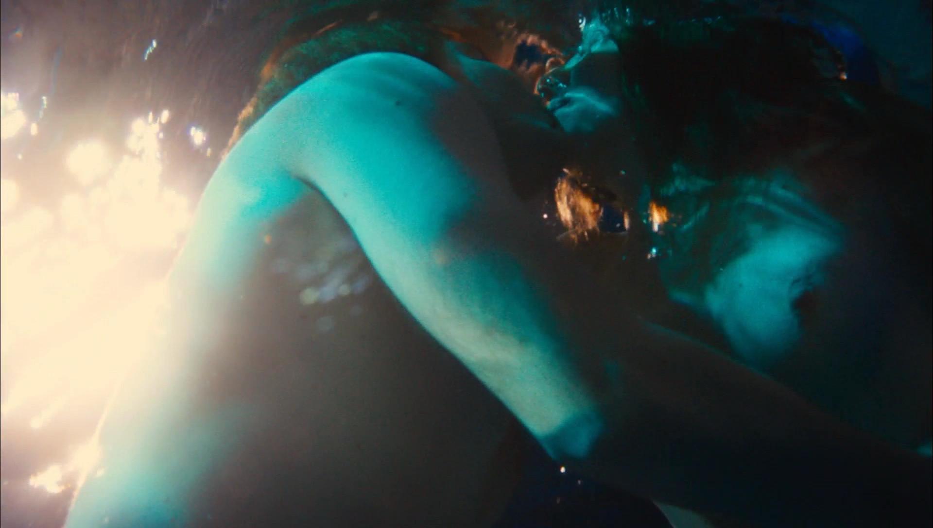 Natalie Dormer nude tits