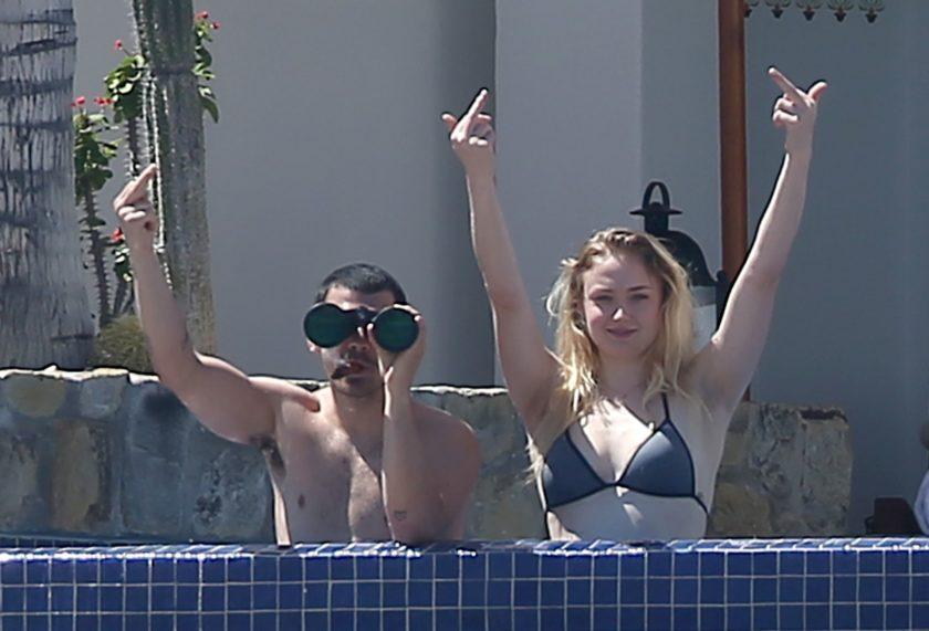 Sophie Turner nude tits
